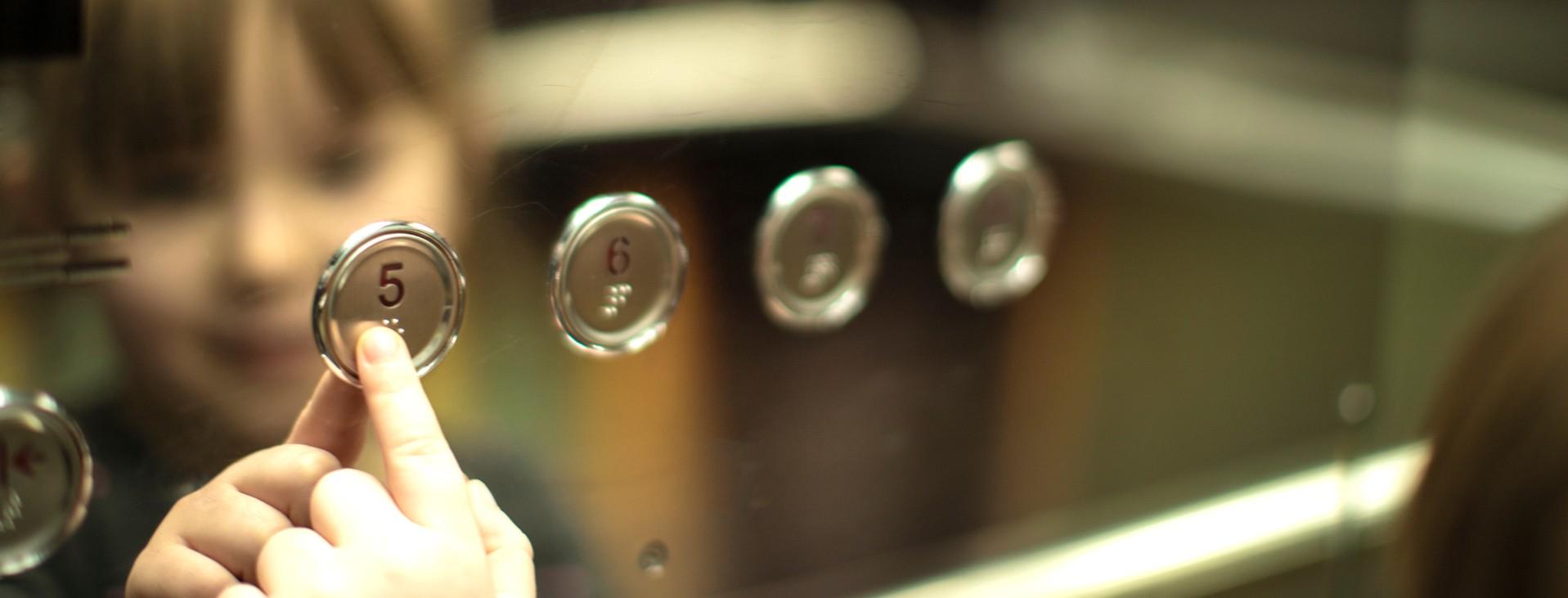 PFB Immagine Header Componenti Meccanici per Ascensori